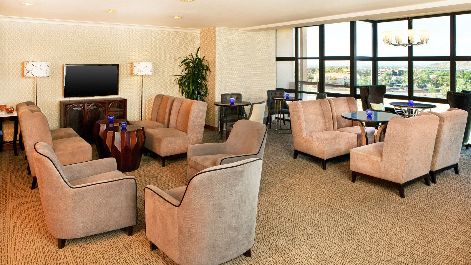 Sheraton Crescent Hotel - Club Lounge